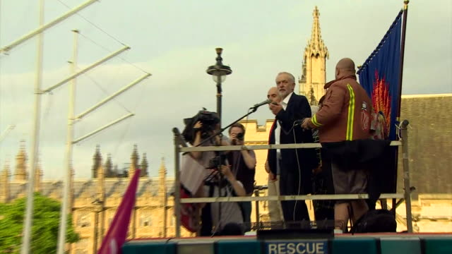labour party leader jeremy corbyn urging his supporters to stay strong against those wishing to divide us at a rally in london as he faces a... - labour party stock videos & royalty-free footage