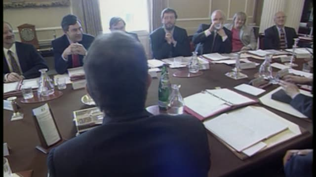 stockvideo's en b-roll-footage met prescott attacks blair's comments on corbyn bsp080597033 / 851997 downing street number 10 various of then prime minister tony blair mp chairing his... - prime minister
