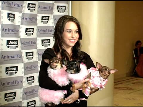 vidéos et rushes de lacey chabert at the gw little pet fashion show at the century plaza hotel in century city, california on november 10, 2004. - century plaza