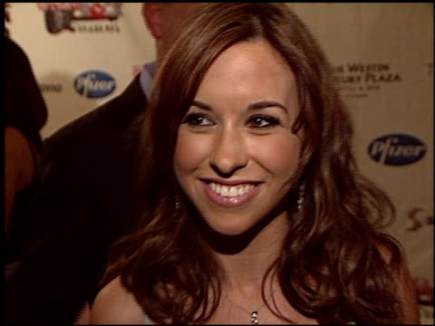 vidéos et rushes de lacey chabert at the race to erase at the century plaza hotel in century city, california on may 14, 2004. - race to erase ms