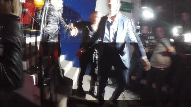 lady gaga and christian carino seen leaving a pub in central london and arriving back at their hotel on september 26, 2018 in london, england. - avvistamenti vip video stock e b–roll