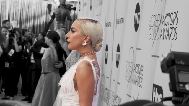 vídeos de stock, filmes e b-roll de lady gaga at the 25th annual screen actors guild awards - social ready content at the shrine auditorium on january 27, 2019 in los angeles,... - screen actors guild awards