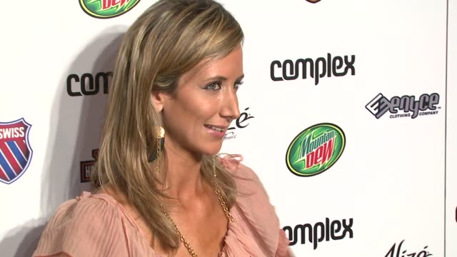stockvideo's en b-roll-footage met lady victoria hervey at the 5th anniversary of complex magazine hosted by travis barker at area in west hollywood california on april 10 2007 - travis barker