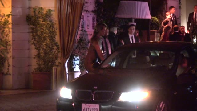 vídeos de stock e filmes b-roll de lady victoria hervey departing the 2014 golden globes after party at sunset tower in los angeles in celebrity sightings in los angeles - translúcido