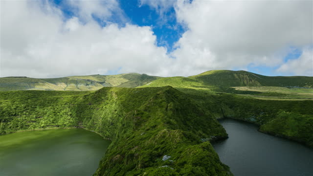 lagoa funda 、lagoa comprida 、フローレス島(アゾレス諸島 - アゾレス諸島点の映像素材/bロール