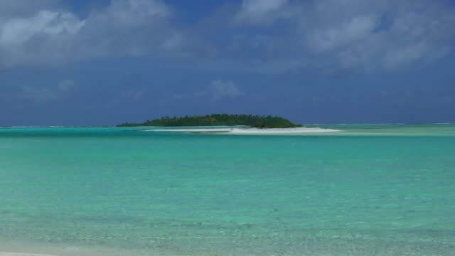 lagoon - aitutaki, cook islands - aitutaki lagoon stock videos & royalty-free footage