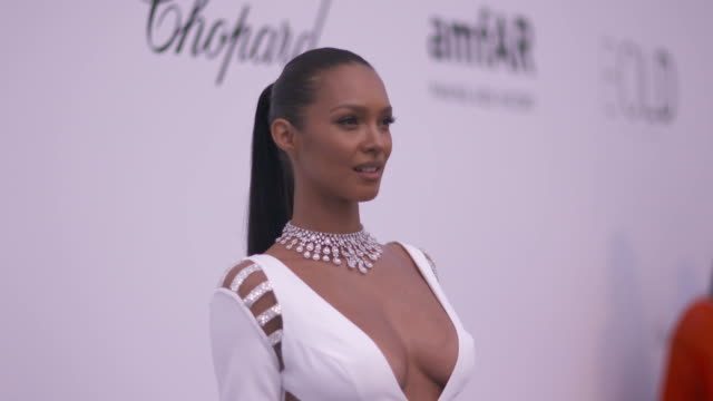 SLOMO Lais Ribeiro at amfAR Gala Cannes 2018 at Hotel du CapEdenRoc on May 17 2018 in Cap d'Antibes France