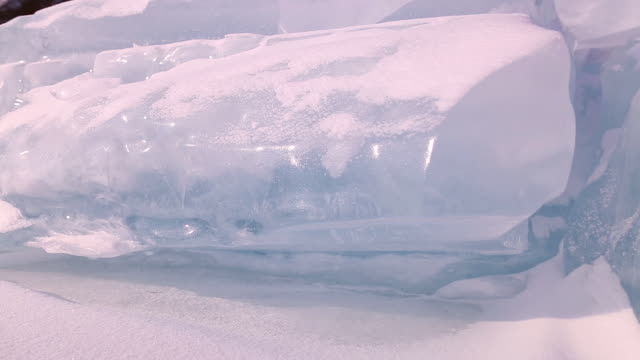 vidéos et rushes de lake baikal. - neige fraîche
