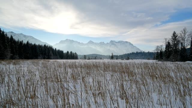 lake barmsee with karwendel mountainrange on morning in winter, krün, garmisch-partenkirchen upper bavaria, bavaria, germany, european alps - garmisch partenkirchen stock videos & royalty-free footage