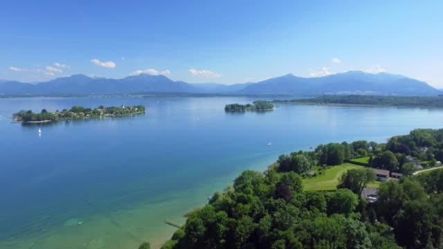 Chiemsee Lake en het Fraueninsel In Opper-Beieren