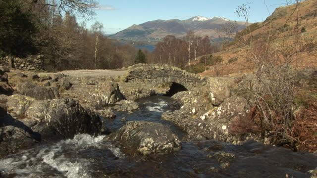 vídeos y material grabado en eventos de stock de uk lagos de puente & pal, hd - distrito de los lagos de inglaterra