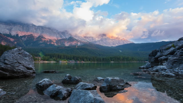 TL WS lake Eibsee and Zugspitze mountain at dusk