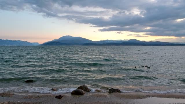 lake in the morning, sirmione, brescia, lake garda, lago di garda, lombardy, lombardei, italy - lago stock videos & royalty-free footage