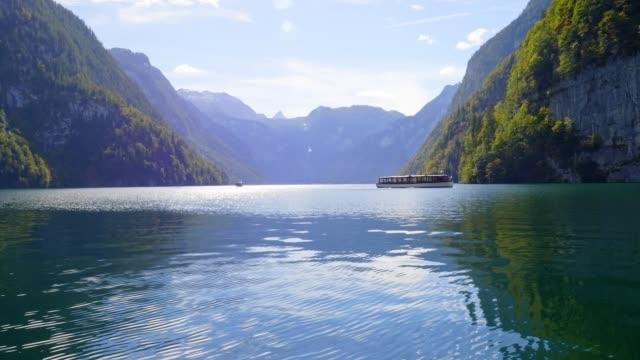 lake königssee, bayern, im herbst - high dynamic range imaging stock-videos und b-roll-filmmaterial
