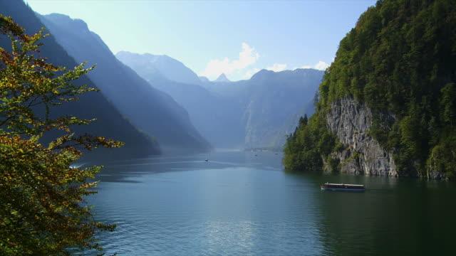 ts lake koenigssee in bavaria viewed from malerwinkel - ruhige szene stock-videos und b-roll-filmmaterial