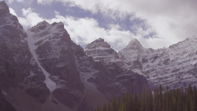 lake louise in alberta, canada timelapse - valley of the ten peaks stock videos and b-roll footage