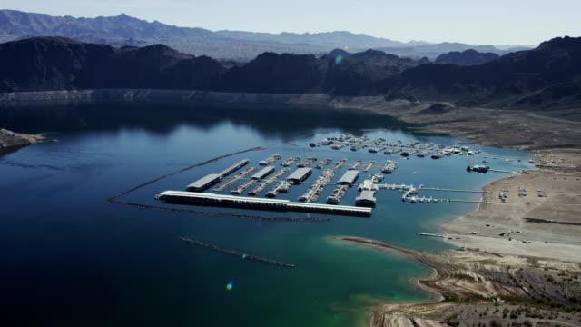 lago mead veduta aerea durante le siccità - lake mead video stock e b–roll
