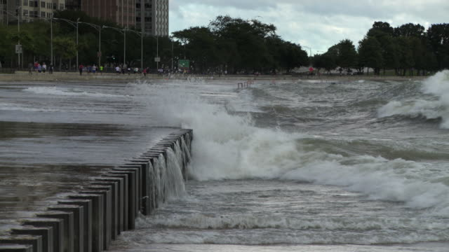 ws lake michigan on stormy day / chicago, illinois, usa - lago michigan video stock e b–roll