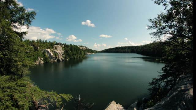 lake minnewaska time lapse - ニューパルツ点の映像素材/bロール