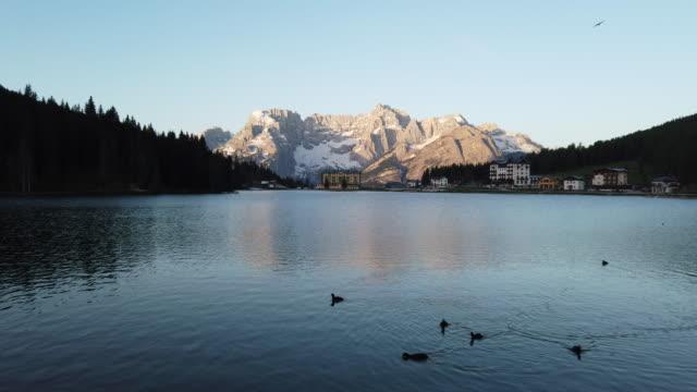 lake misurina mountain range dolomites in south tyrol, europe, italy - dolomites stock videos & royalty-free footage