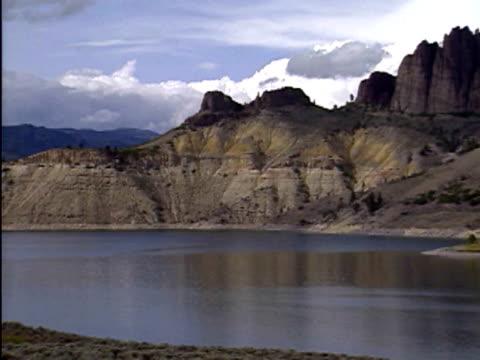 lake near gunnison, colorado - gunnison stock-videos und b-roll-filmmaterial