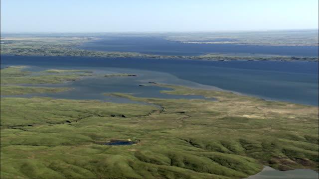 vídeos de stock, filmes e b-roll de lago oahe-vista aérea-dakota do sul, sully county, estados unidos - dakota do sul