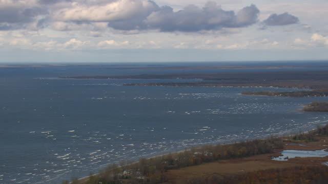 stockvideo's en b-roll-footage met lake ontario shoreline - ontariomeer