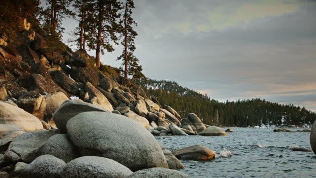 stockvideo's en b-roll-footage met lake tahoe shore - kei