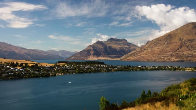 lake wakatipu southern alps queenstown timelapse south island - southern hemisphere stock videos & royalty-free footage