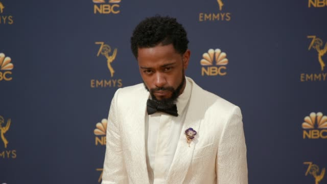 vídeos de stock, filmes e b-roll de lakeith stanfield at the 70th emmy awards arrivals at microsoft theater on september 17 2018 in los angeles california - 70th annual primetime emmy awards