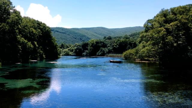 湖国立公園 - 世界的な名所点の映像素材/bロール