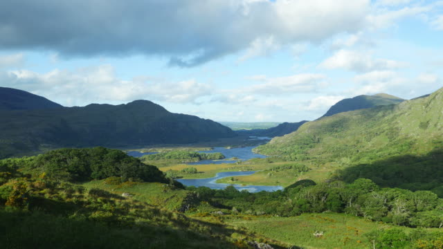 T/L Lakes Of Killarney As Seen From Ladies View