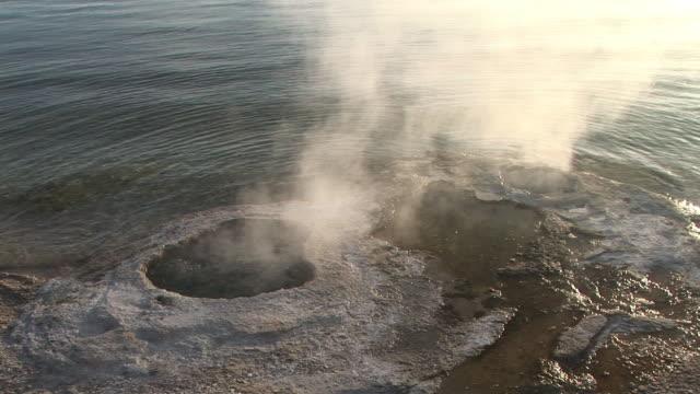 cu, lakeshore geyser, yellowstone lake, west thumb geyser basin, yellowstone national park, wyoming, usa - lakeshore stock videos & royalty-free footage