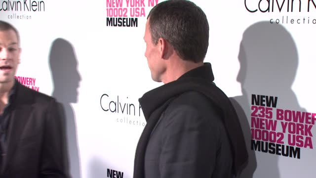 lance armstrong at the grand reopening celebration of the new museum cohosted by calvin klein at the new museum on the bowery in new york new york on... - ランス・アームストロング点の映像素材/bロール