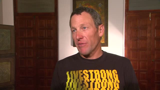 lance armstrong on the topic of his talk at mex lance armstrong is the surprise guest of honor and leads the ride at the durango to mazatlan bike... - ランス・アームストロング点の映像素材/bロール