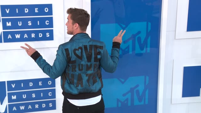 lance bass at 2016 mtv video music awards arrivals at madison square garden on august 28 2016 in new york city - lance bass stock videos and b-roll footage