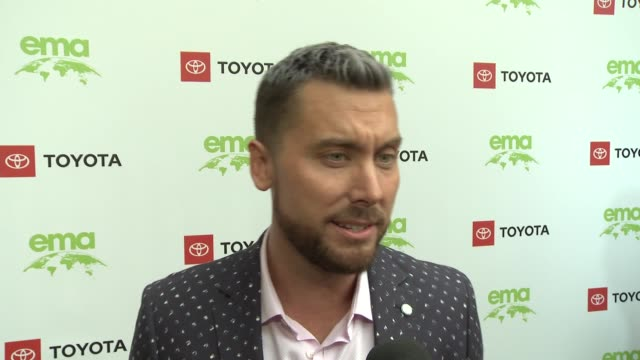 interview lance bass at the 29th annual environmental media awards at montage beverly hills on may 30 2019 in beverly hills california - environmental media awards stock videos & royalty-free footage