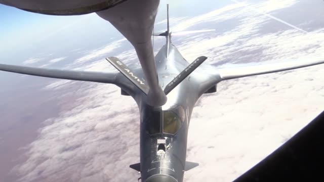 lancer inflight from ellsworth air force base south dakota - south dakota stock-videos und b-roll-filmmaterial