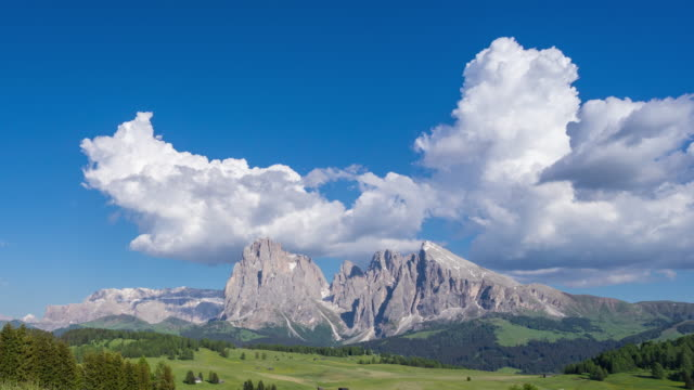 landcape of alpe di siusi, dolomite, italy - siusi stock videos & royalty-free footage