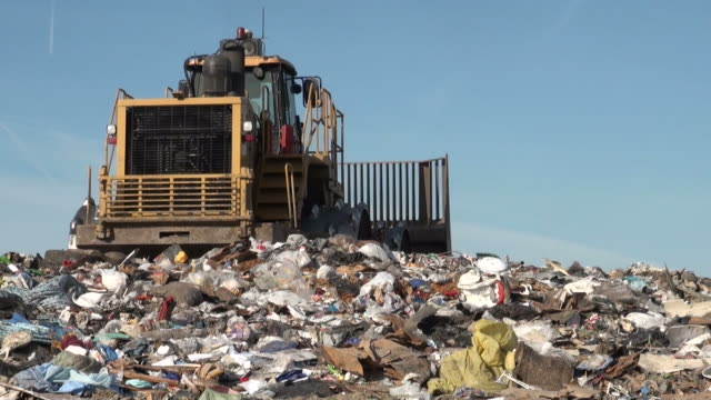 stockvideo's en b-roll-footage met landfill