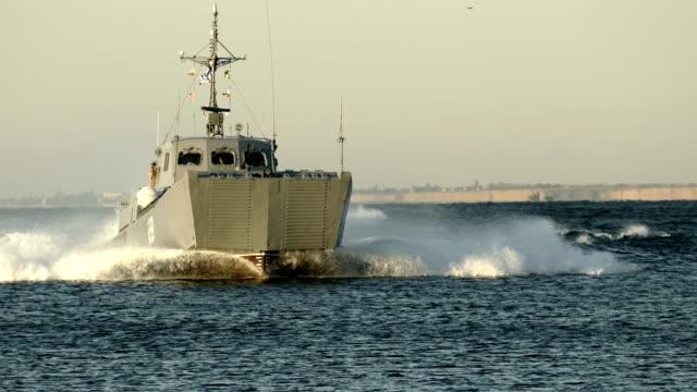 landing boat at sea - battleship stock videos & royalty-free footage