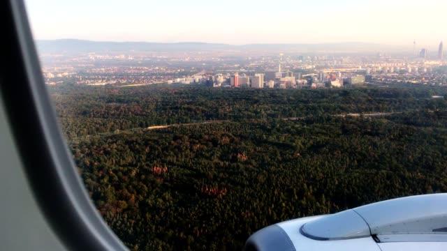 landung in frankfurt - nähern stock-videos und b-roll-filmmaterial