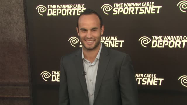 landon donovan at time warner sports celebrates launch of time warner cable sportsnet and time warner cable deportes networks on 10/1/2012 in el... - el segundo stock-videos und b-roll-filmmaterial