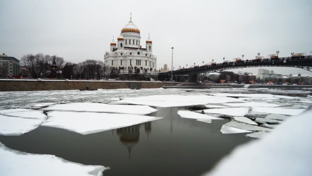 landscape beautiful frozen moskva river with cathedral of christ the saviour at moscow winter times russia - former soviet union stock videos & royalty-free footage