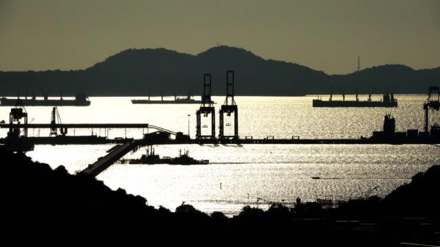 stockvideo's en b-roll-footage met landschap haven bij zonsondergang - passagiersboot