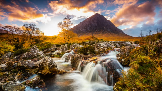 landscape in scotland - buachaille etive mor - tracking time lapse - scottish highlands stock videos & royalty-free footage