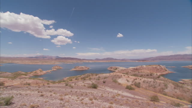 ws pan landscape of desert with vast lake mead / lake mead, arizona, usa - lake mead video stock e b–roll