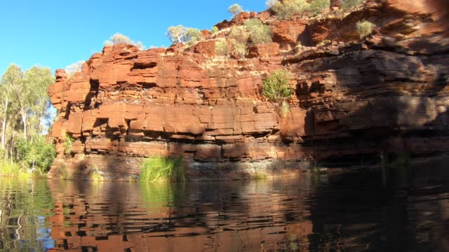 landscape of pilbara region in western australia - latitude stock videos & royalty-free footage