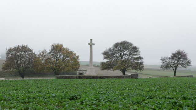 Landscape Shot The grave at Gordon Dump Cemetery of Donald Bell VC who was killed aged 25 on the Somme in WW1 Bell was the first professional...