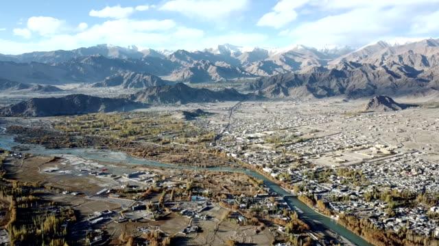 landscape view in leh ladakh india - jammu e kashmir video stock e b–roll